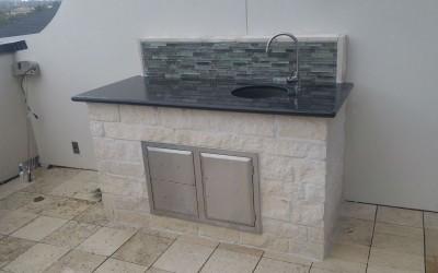 Built to last outdoor sink in Houston TX