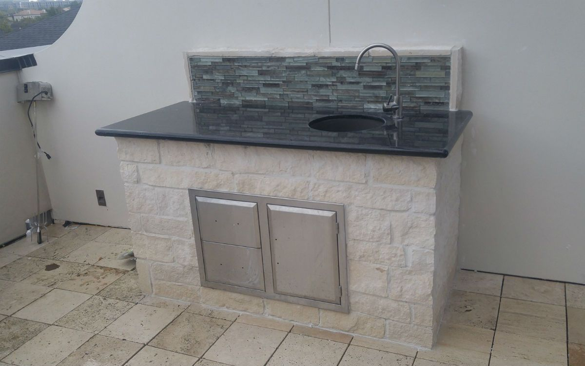 Built to last outdoor sink in Houston TX