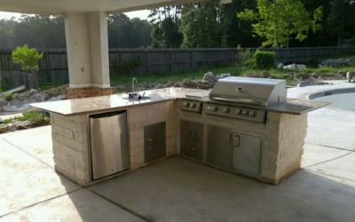 By the pool outdoor kitchen island Houston TX